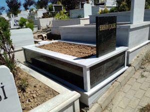 Tek Kişilik Baştaşı ve Gövde Granit Mezar