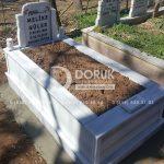 tek kişilik bastasi koltuklu mermer mezar-14