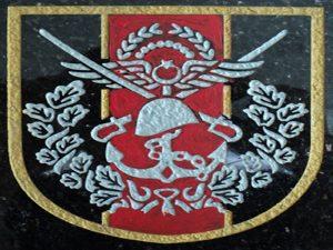 Granit & Mermer Üzerine Logo