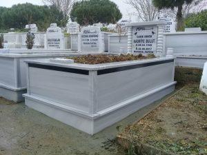 Tek Kişilik Sütunlu Granit Şeritli Mezar