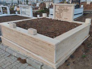 Çift Kişilik Baş Tası Sütunlu Traverten Mezar