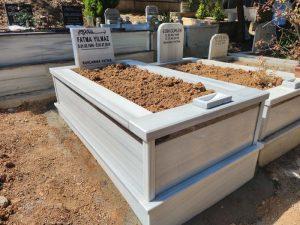 Tek Kişilik Baştaşı Abide Granit Şeritli Mezar
