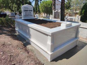 Tek Kişilik Süt Beyaz 10cm Baştaşı Mezar Modeli